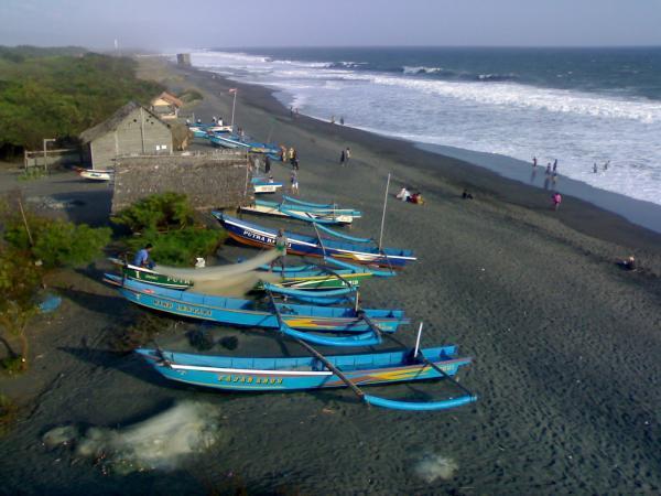 Pantai Kuwaru Jogja
