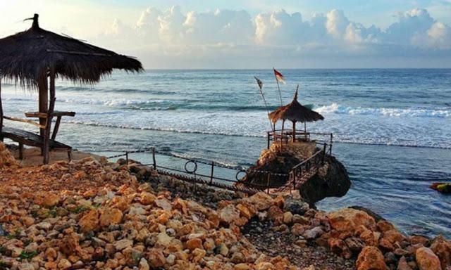 Pantai Watulawang Jogja