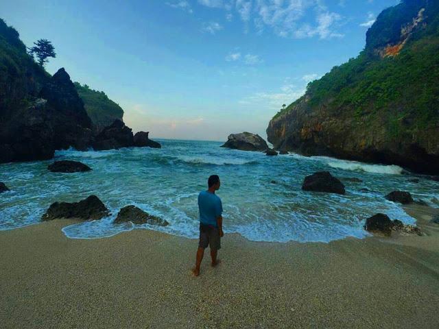 Pantai Wohkudu Jogja