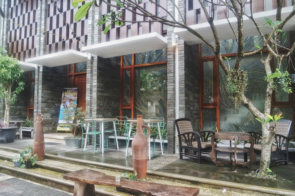 Raya's Kitchen And Coffee Jogjakarta - Viewjogja.com